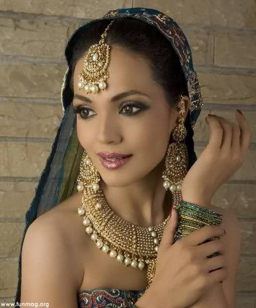 amina-sheikh-brdial-makeup- (2)