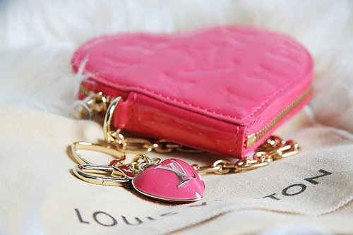 cute-pink-teenage-girl-stuff- (5)