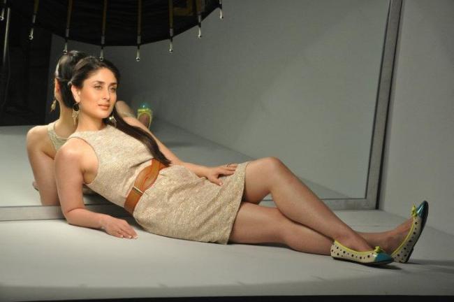 kareena-kapoor-autumn-winter-shoot-with-metro-shoes- (10)