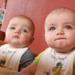 Cute Twin Baby Pictures-20 Pics