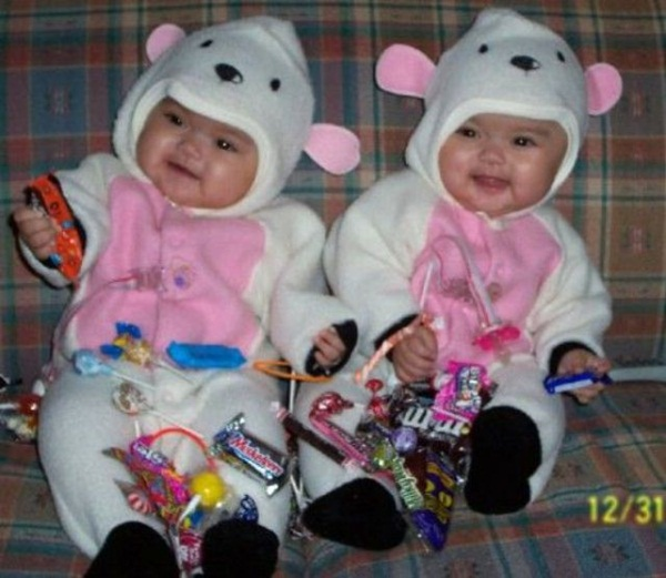 twin-baby-pictures- (8)