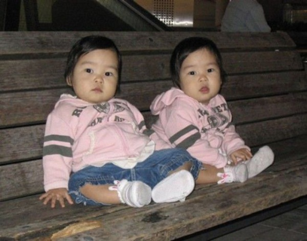 Cute Twin Pictures Twin-baby-pictures 12