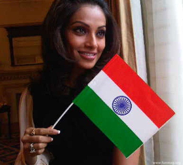 bipasha-basu-real-life-photo- (19)