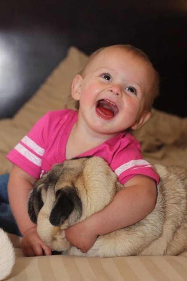 cute-babies-with-dogs- (6)
