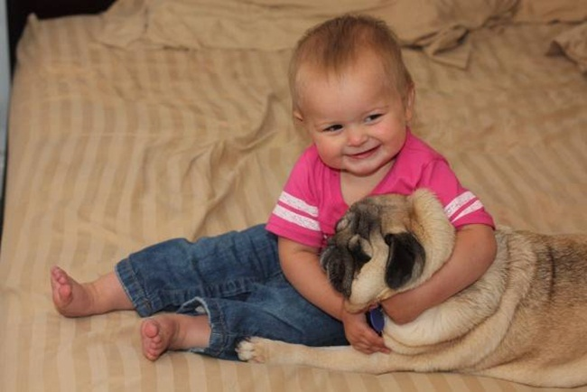 cute-babies-with-dogs- (26)