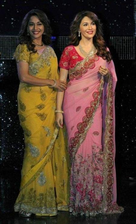 madhuri-dixit-unveils-her-wax-statue-at-madame-tussauds- (2)