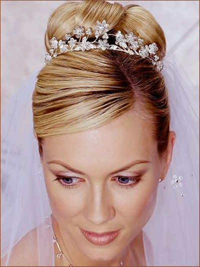 elegant-bridal-hairstyles- (7)