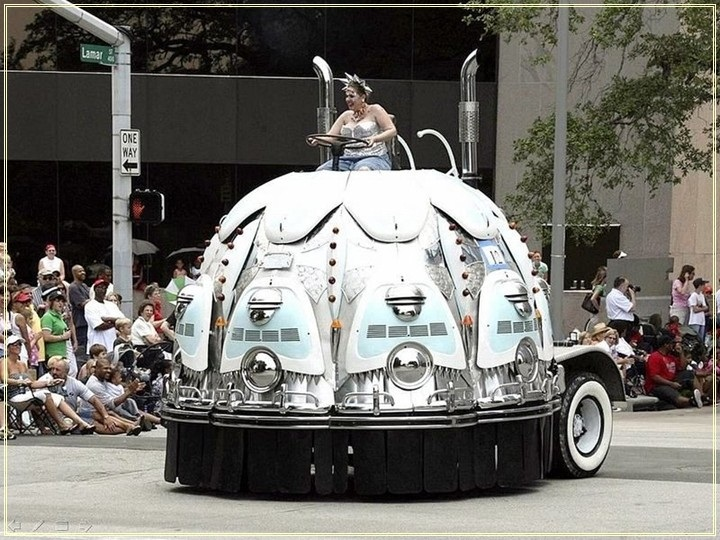 weird-car-parade-in-houston- (13)