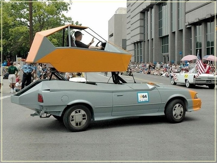 weird-car-parade-in-houston- (16)