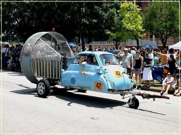 weird-car-parade-in-houston- (22)