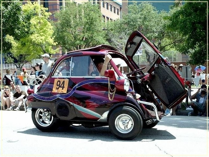 weird-car-parade-in-houston- (24)