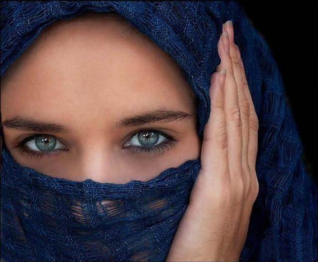 beautiful-eyes-in-veil- (4)