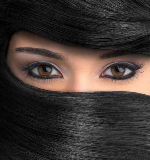 beautiful-eyes-in-veil- (9)