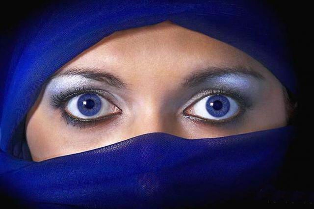 beautiful-eyes-in-veil- (10)
