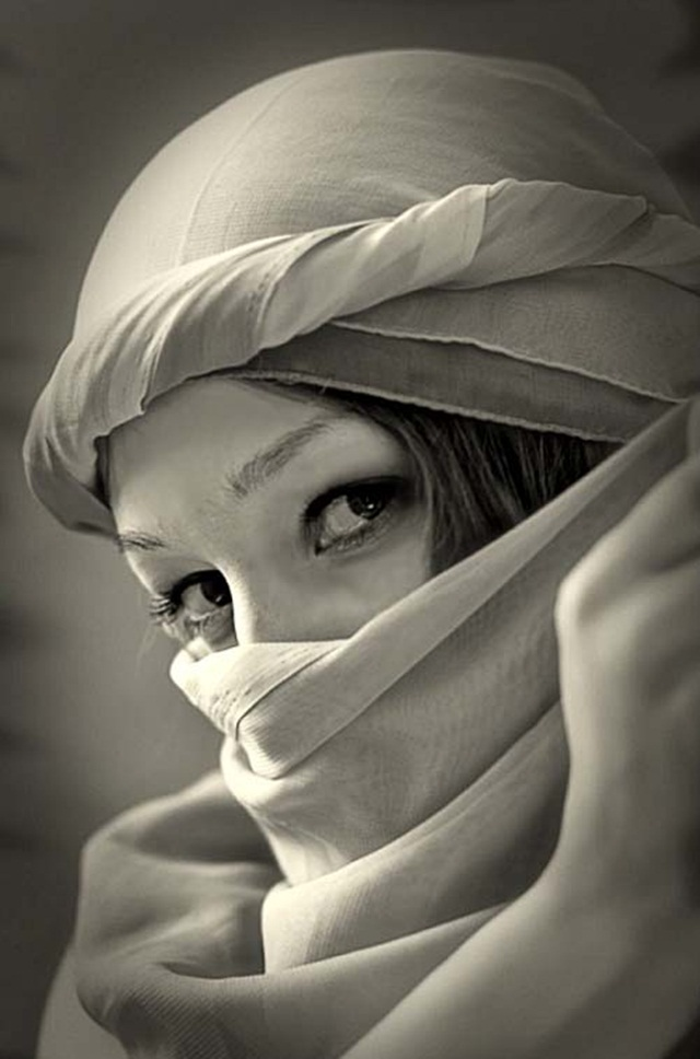 beautiful-eyes-in-veil- (16)