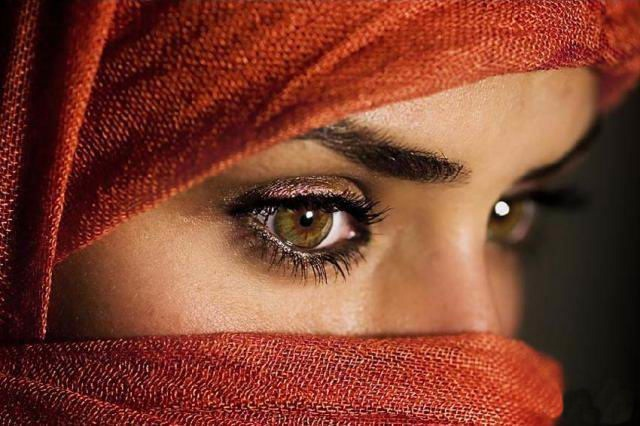 beautiful-eyes-in-veil- (19)