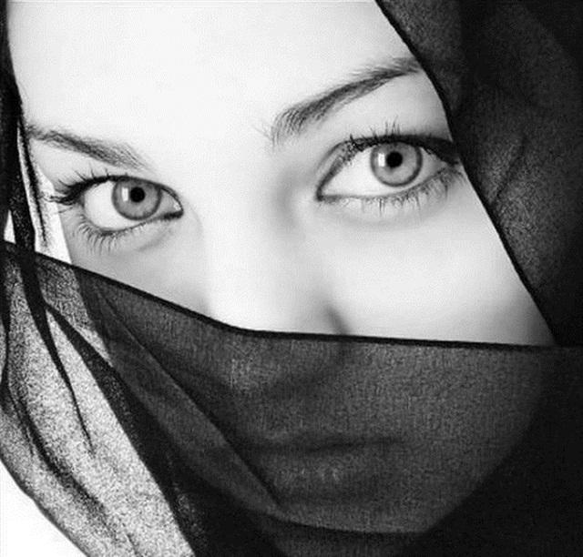 beautiful-eyes-in-veil- (21)
