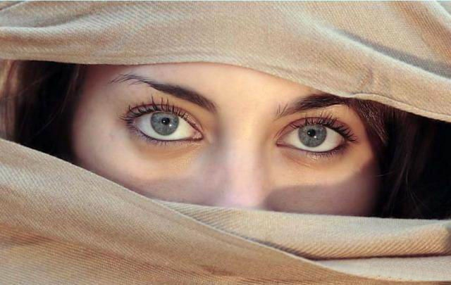 beautiful-eyes-in-veil- (22)