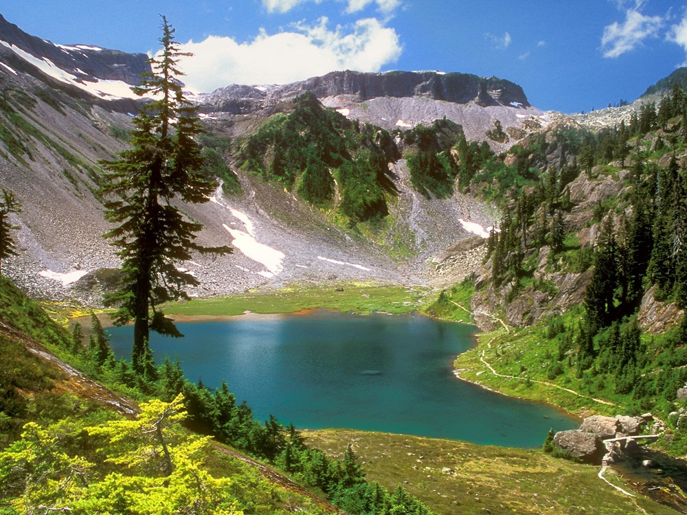 beautiful-natural-lakes-26-photos- (1)