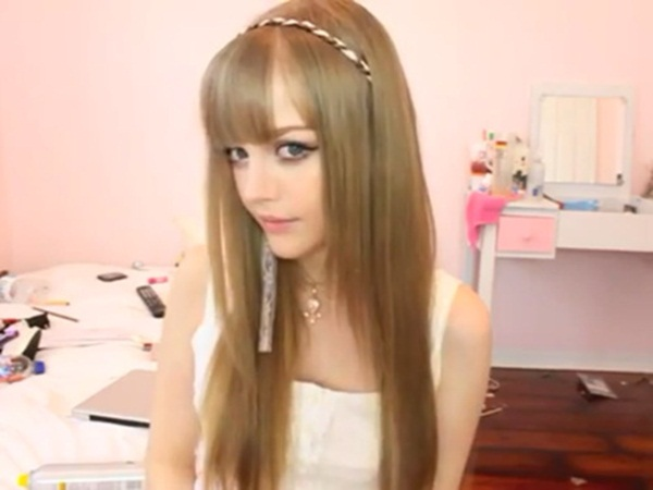 living-barbie-doll-dakota-rose- (23)