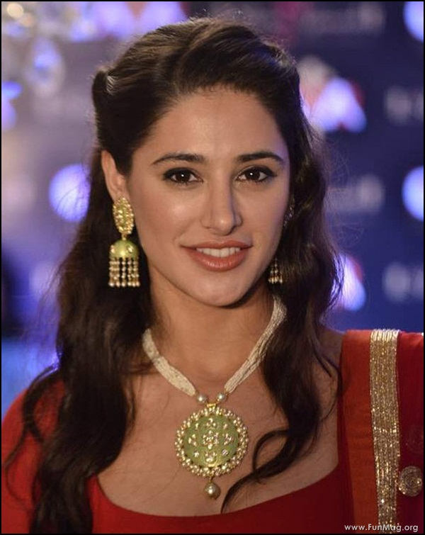 nargis-fakhri-in-red-indian-dress- (10)