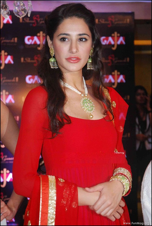 nargis-fakhri-in-red-indian-dress- (12)