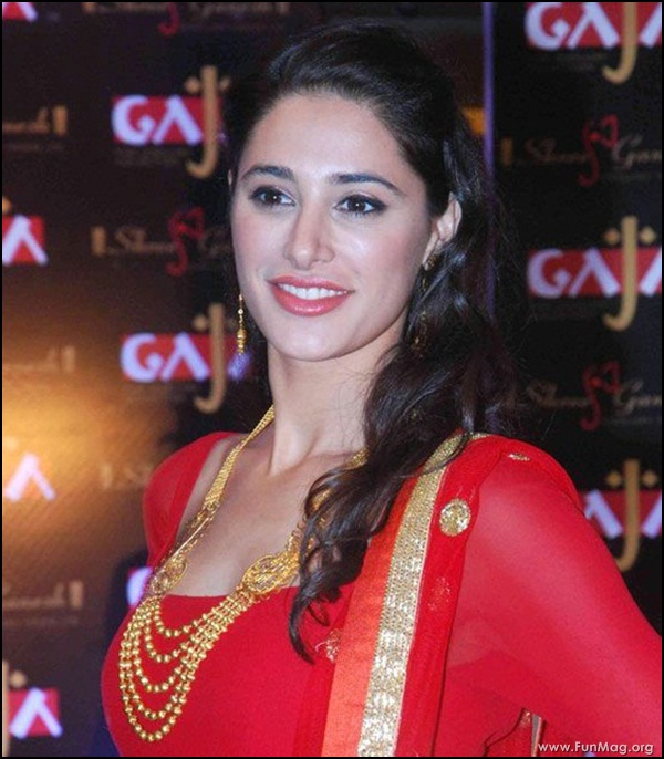 nargis-fakhri-in-red-indian-dress- (15)