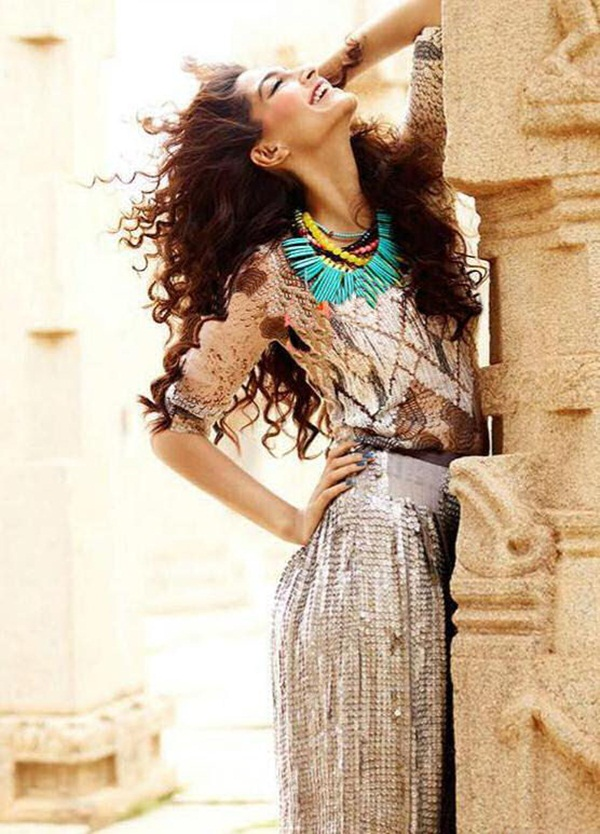 sonam-kapoor-photoshoot-for-elle-magazine- (15)