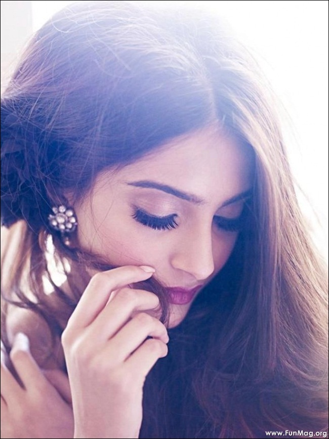 sonam-kapoor-photoshoot-for-shehla-khan- (1)