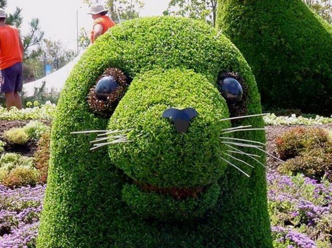 topiary-animals- (8)