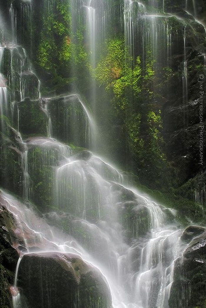 beautiful-waterfall-21-photos- (3)