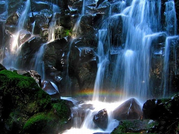 beautiful-waterfall-21-photos- (4)