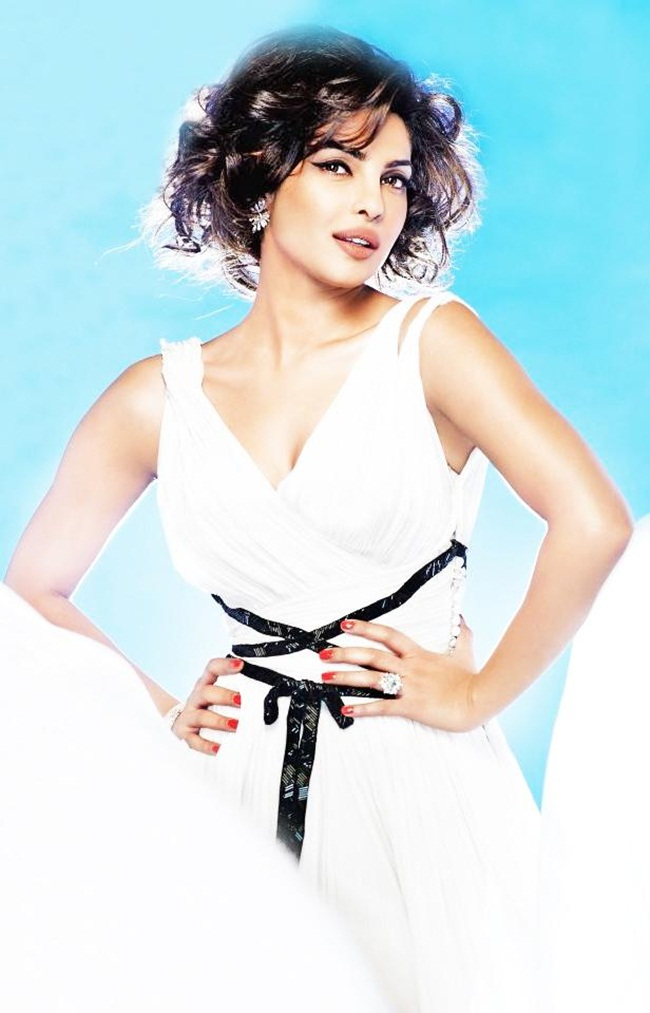 priyanka-chopra-photoshoot-for-hello-magazine- (4)