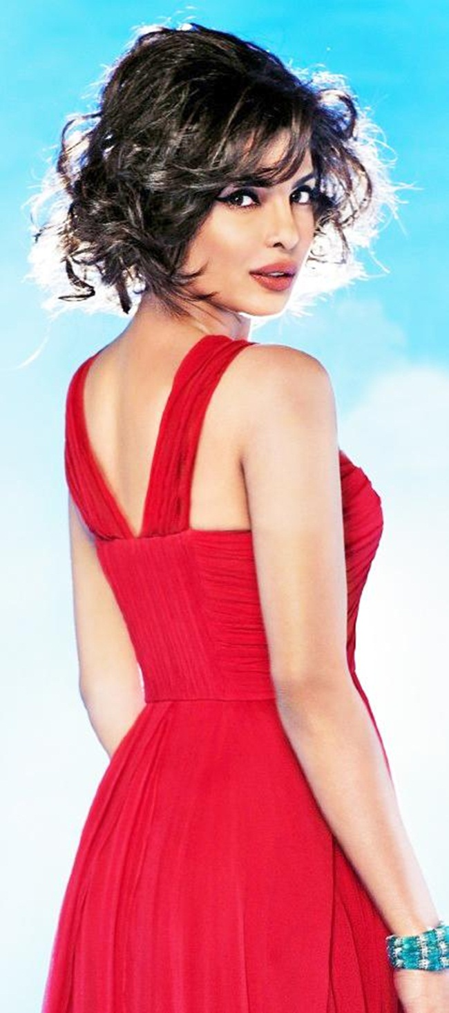 priyanka-chopra-photoshoot-for-hello-magazine- (5)