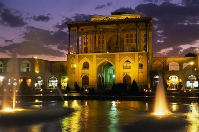 tour-of-iran-30-photos- (13)