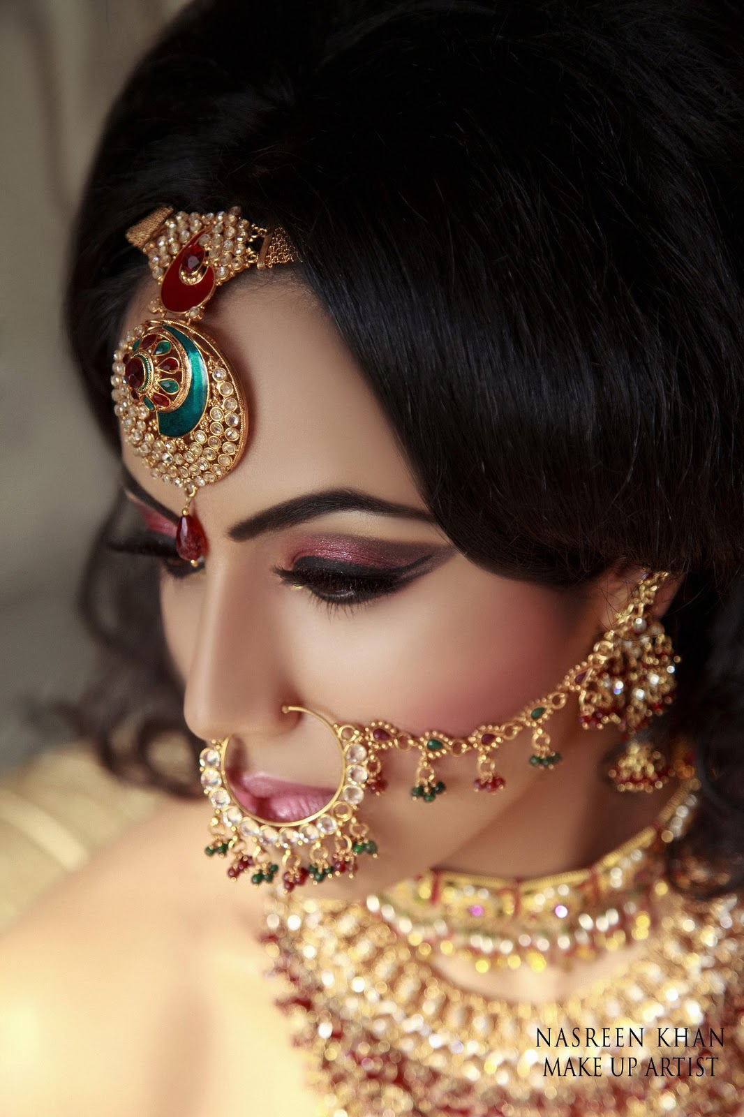 How To Become Bridal Makeup Artist : Stunning Bridal Makeup by Makeup Artist Nasreen Khan ...