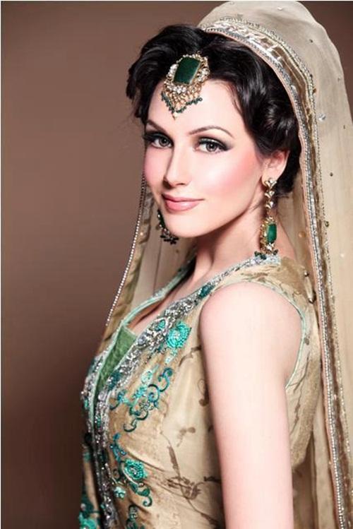 ayesha-akhtar-bridal-makeover- (9)
