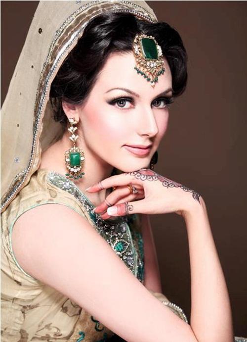 ayesha-akhtar-bridal-makeover- (10)