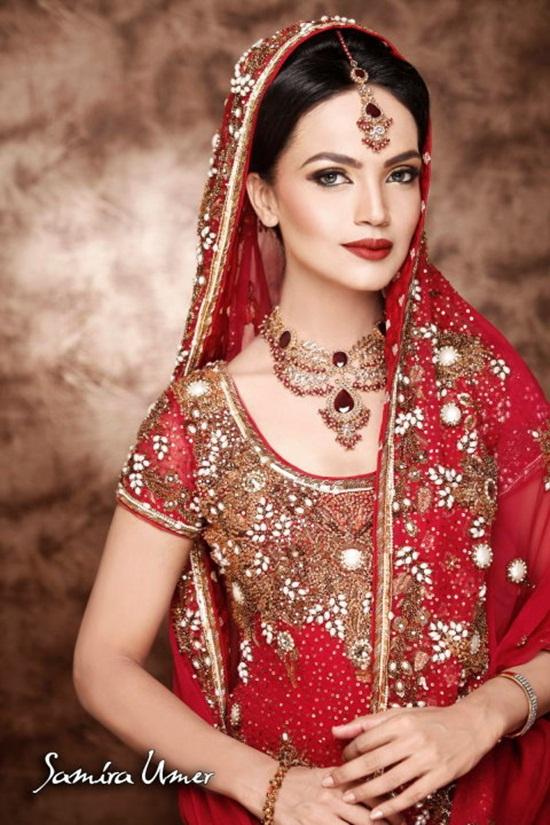 amina-sheikh-bridal-makeover-by-samira-umer- (4)