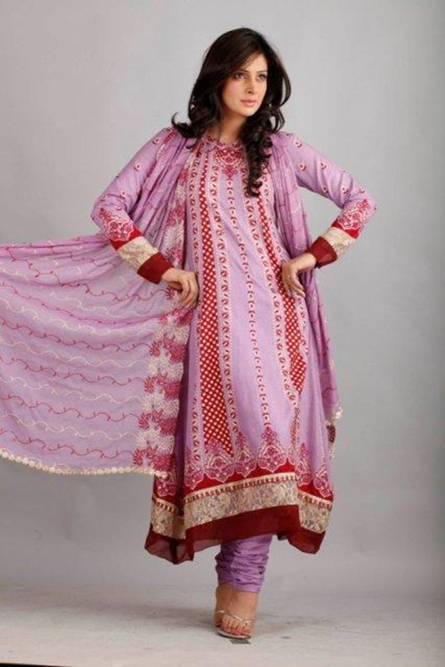 dawood-lawn-collection-2012-jami-motif-embroidery- (1)