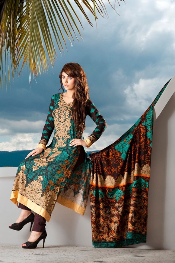 firdous-paris-linen-winter-collection-2012-with-ayyan-ali- (1)