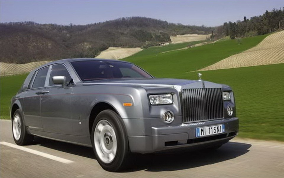 rolls-royce-phantom-photos- (8)
