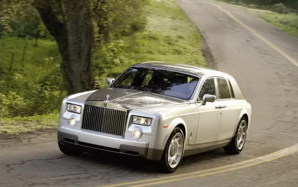 rolls-royce-phantom-photos- (12)