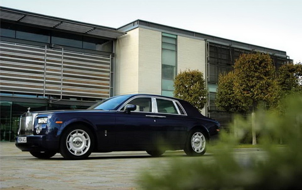 rolls-royce-phantom-photos- (14)