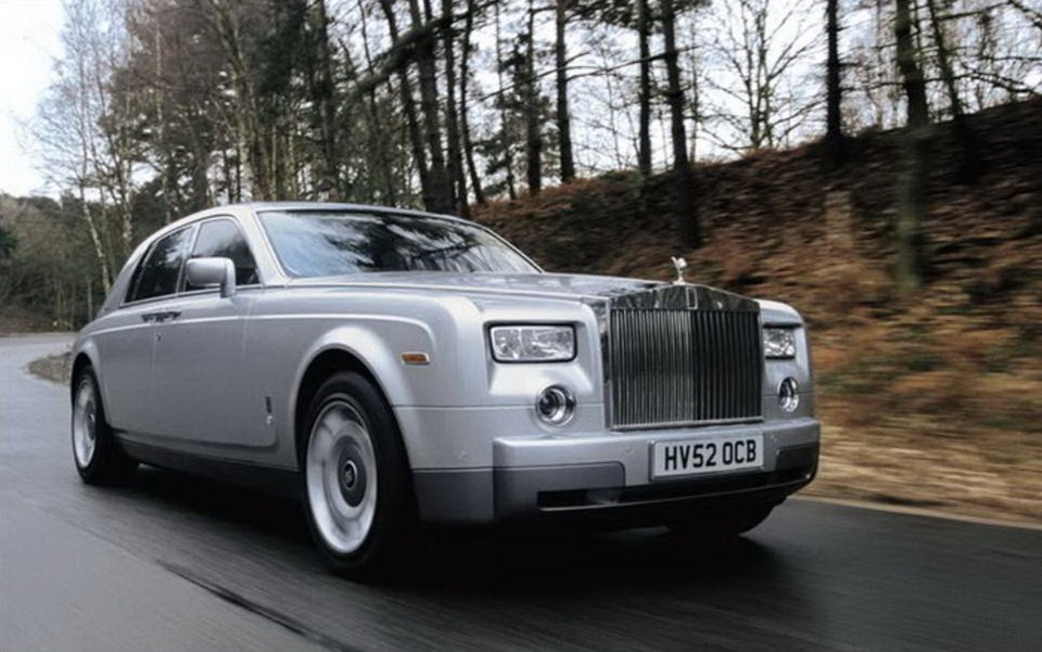 rolls-royce-phantom-photos- (17)