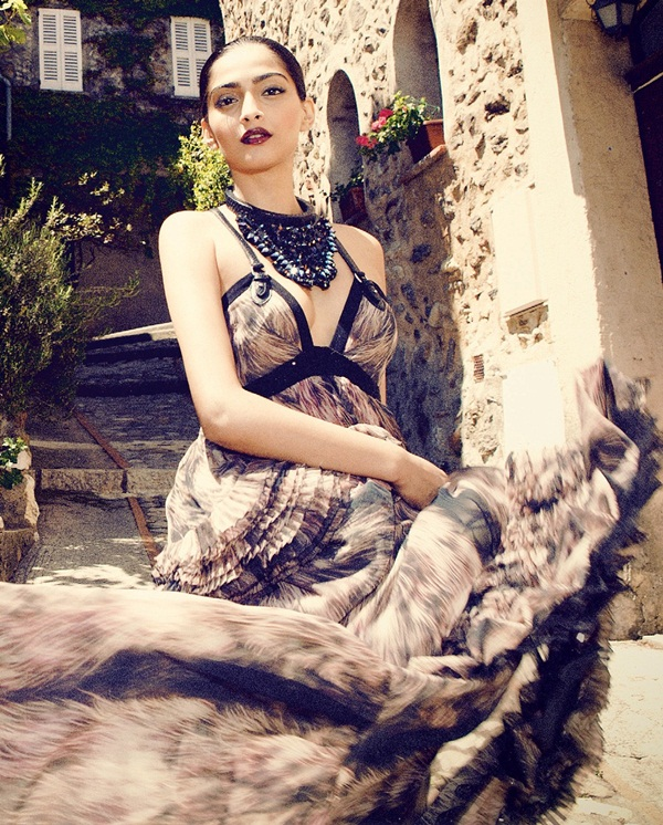sonam-kapoor-photoshoot-for-grazia-magazine-2012- (3)