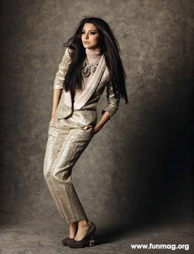 anushka-sharma-photoshoot-for-marie-claire-magazine-2012- (9)