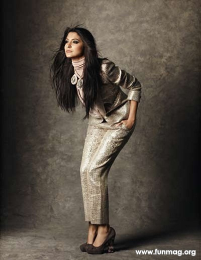 anushka-sharma-photoshoot-for-marie-claire-magazine-2012- (12)