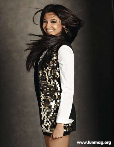 anushka-sharma-photoshoot-for-marie-claire-magazine-2012- (13)