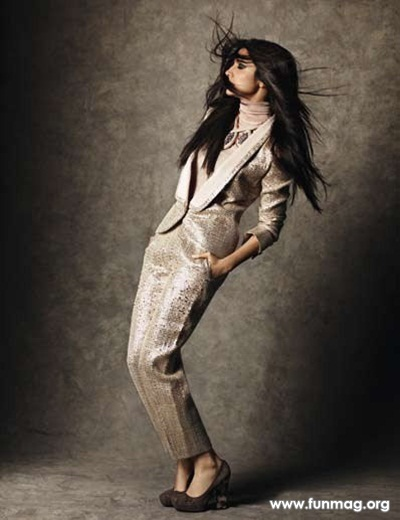 anushka-sharma-photoshoot-for-marie-claire-magazine-2012- (15)